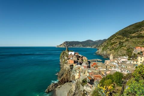 Vista de uno de los cinco pueblos de la Cinque Terre, Vernazza