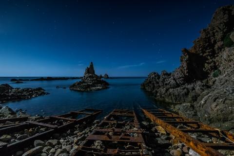 Foto nocturna en el Arrecife de las sirenas, cabo de gata, almeria