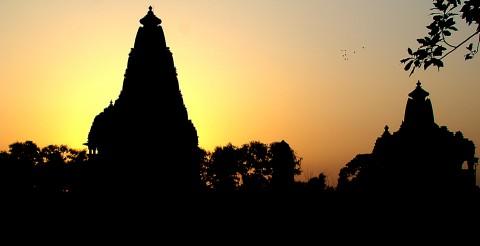atardecer en India, templo hindu