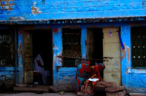 Familia humilde en Jaipur, India