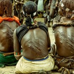 marcas en la espalda de las mujeres por latigazos , tribu Hammer, ceremonia Bull Jumping en Etiopía