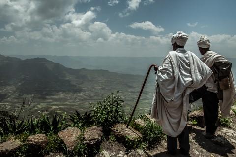 Monjes en iglesias excavadas de lalibela, Etiopia