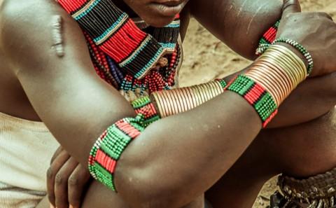 Mujer Hammer triste , con marcas, Etiopía