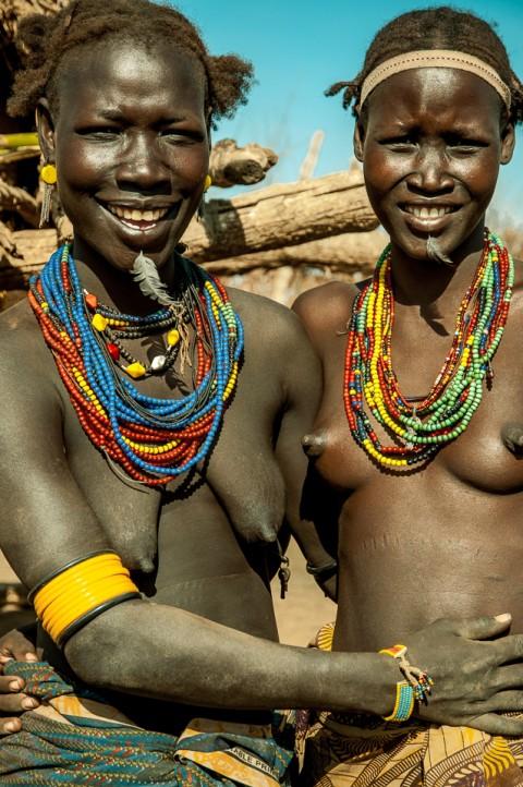 mujer de la tribu dassanetch , Etiopía