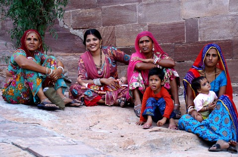 Mujeres charlan en India