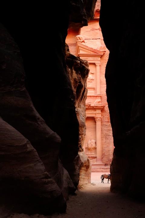 Vista del Tesoro desde el Siq, petra, Jordania