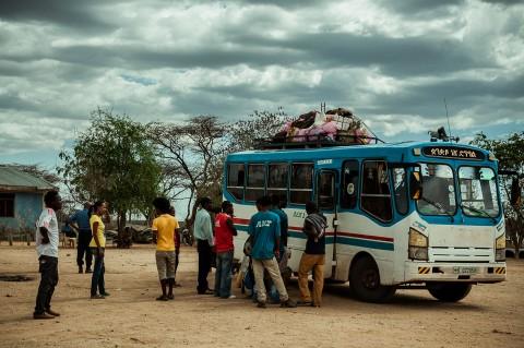 Transporte público en Turmi, Etiopia