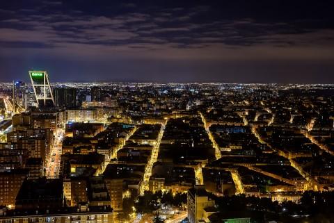 Vista del Paseo de la Castellana en Madrid desde la torre del hotel Eurostars