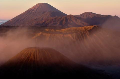 Amanecer en volcan Bromo, Indonesia